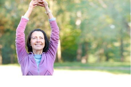 Ce seuil minimum peut motiver les personnes âgées inactives à amorcer une transition vers un mode de vie physiquement actif avec le large éventail d'avantages pour la santé associé à l'activité physique